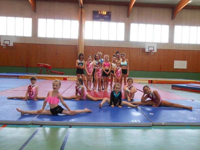 Les petits gymnastes font leur spectacle