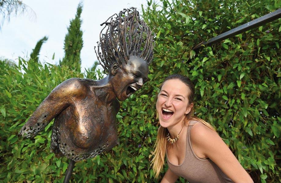 Di Giovanni Eléna Sculpture Cri En Bronze Création Art Avec Cheveux En Branches Femme
